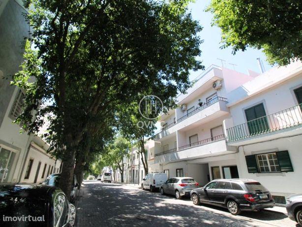 Apartamento T3 Em Beja C/ Varanda E Terraço Comum