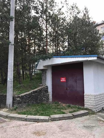 Гараж 40м.кв., для 2 авто. Буковинська, Костромська, Автовокзал