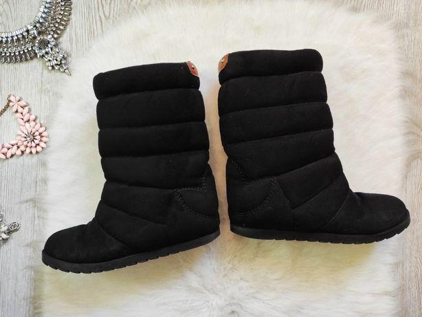 Черные замшевые спортивные зимние сапоги дутики без каблука Адидас