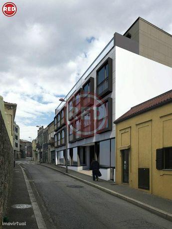 """Loja nova no """"Edifício Barão"""" em Coimbrões"""
