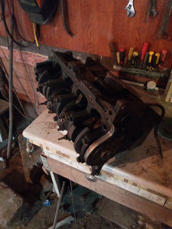 Блок двигателя форд мондео 1993