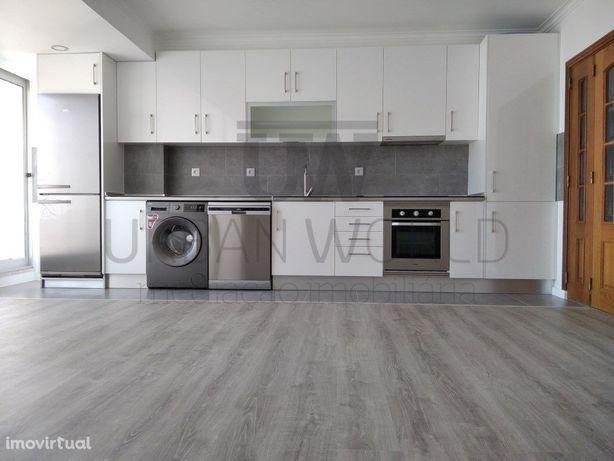 Apartamento T2(três assoalhadas), Arroja/Odivelas
