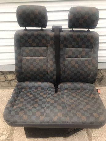 Продам переднюю сидушку Мерседес Вито 638 кузов