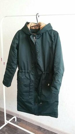Курточка зимняя с капюшоном
