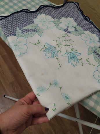 Toalha de mesa quadrada com estampado as flores azuis