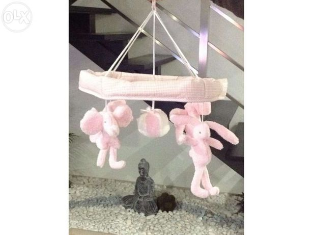 Mobile para cama bebé com acessório de Cama com Música