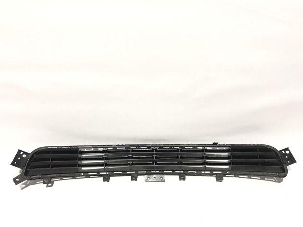 INFINITI Q50 Решетка фара противотуманка