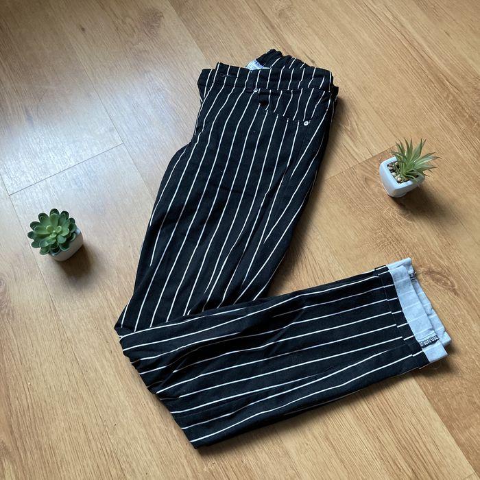 Spodnie proste noga jeansy w paski czarno biale h&m streetwear vintage Witaszyce - image 1