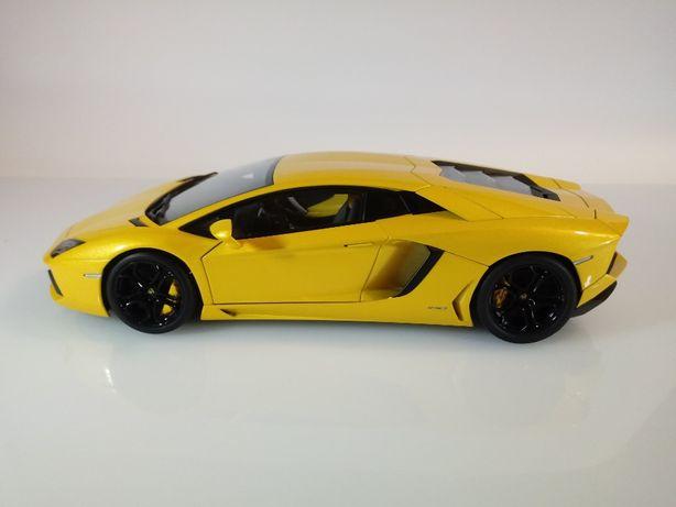 Model 1/18 Autoart Lamborghini Aventador LP 700-4 kolekcja