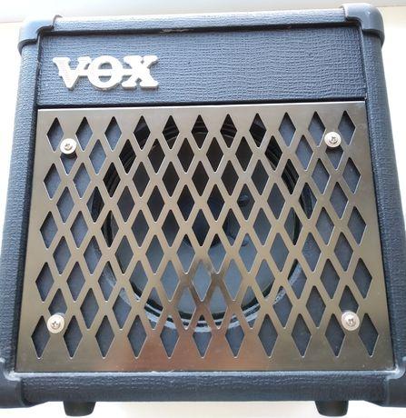 Продам комбик VOX DA5