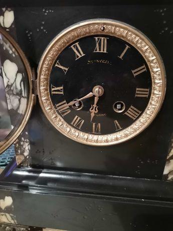 Zegar kominkowy na podstawie marmurowej -  antyk z końca XIX wieku