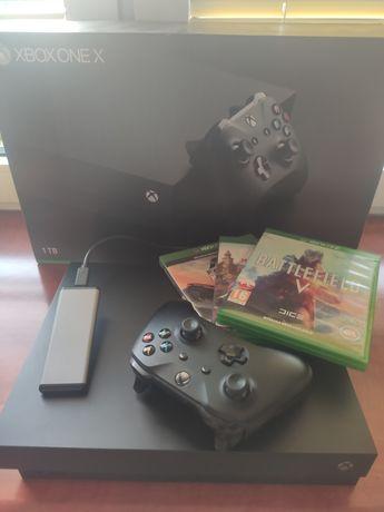 Xbox one X + dysk SSD M2 + 1TB + 4 gry