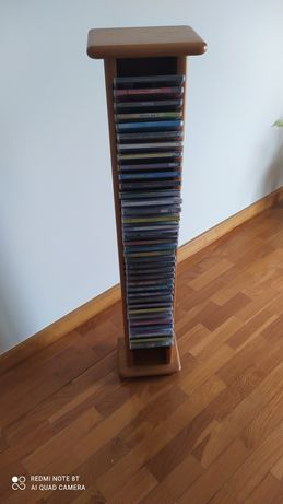 Coluna de CDs vários