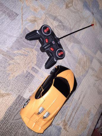 Машина-транформер на пульте