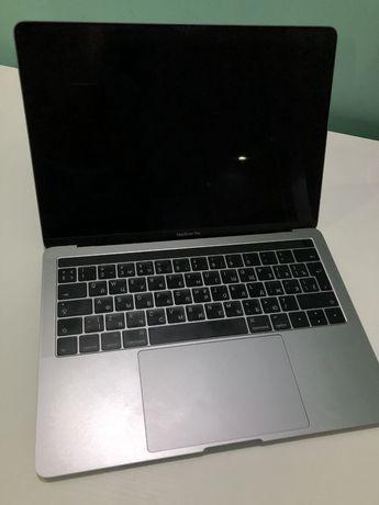 Продам MacBook pro 2016 touch bar 8/512