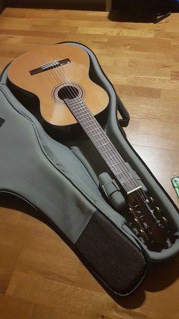 Gitara klasyczna Martinez z pokrowcem