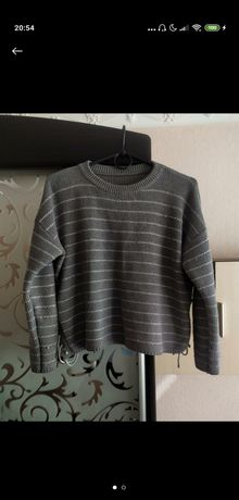 Женский укороченный свитер