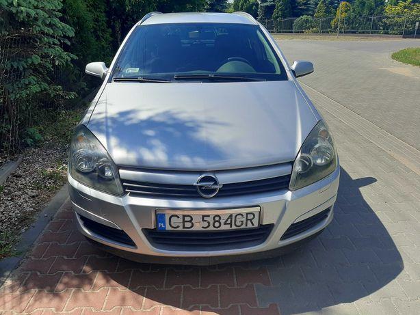 Opel Astra lll 2004 1.6, benzyna maly przebieg
