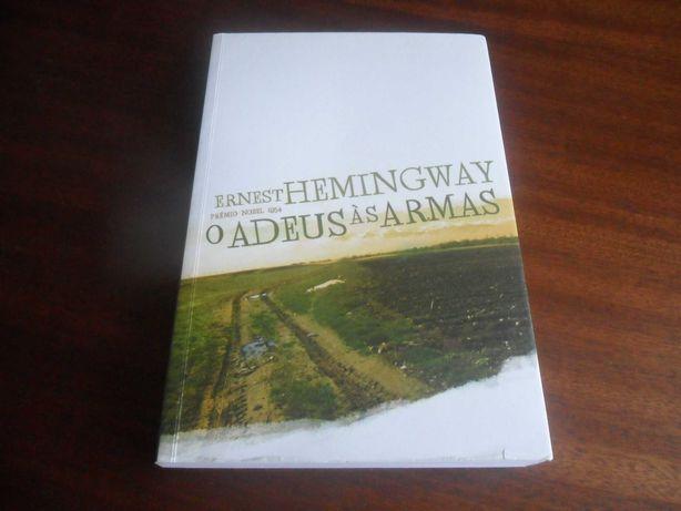 """""""O Adeus às Armas"""" de Ernest Hemingway"""