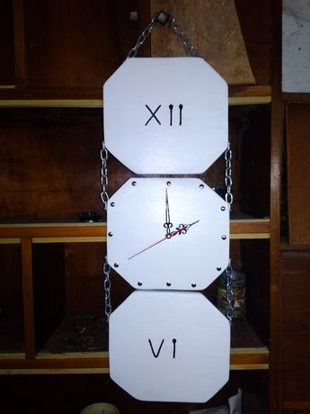 Годинник ручної роботи під замовлення.