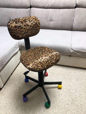 Детское крутящееся кресло компьютерное кресло