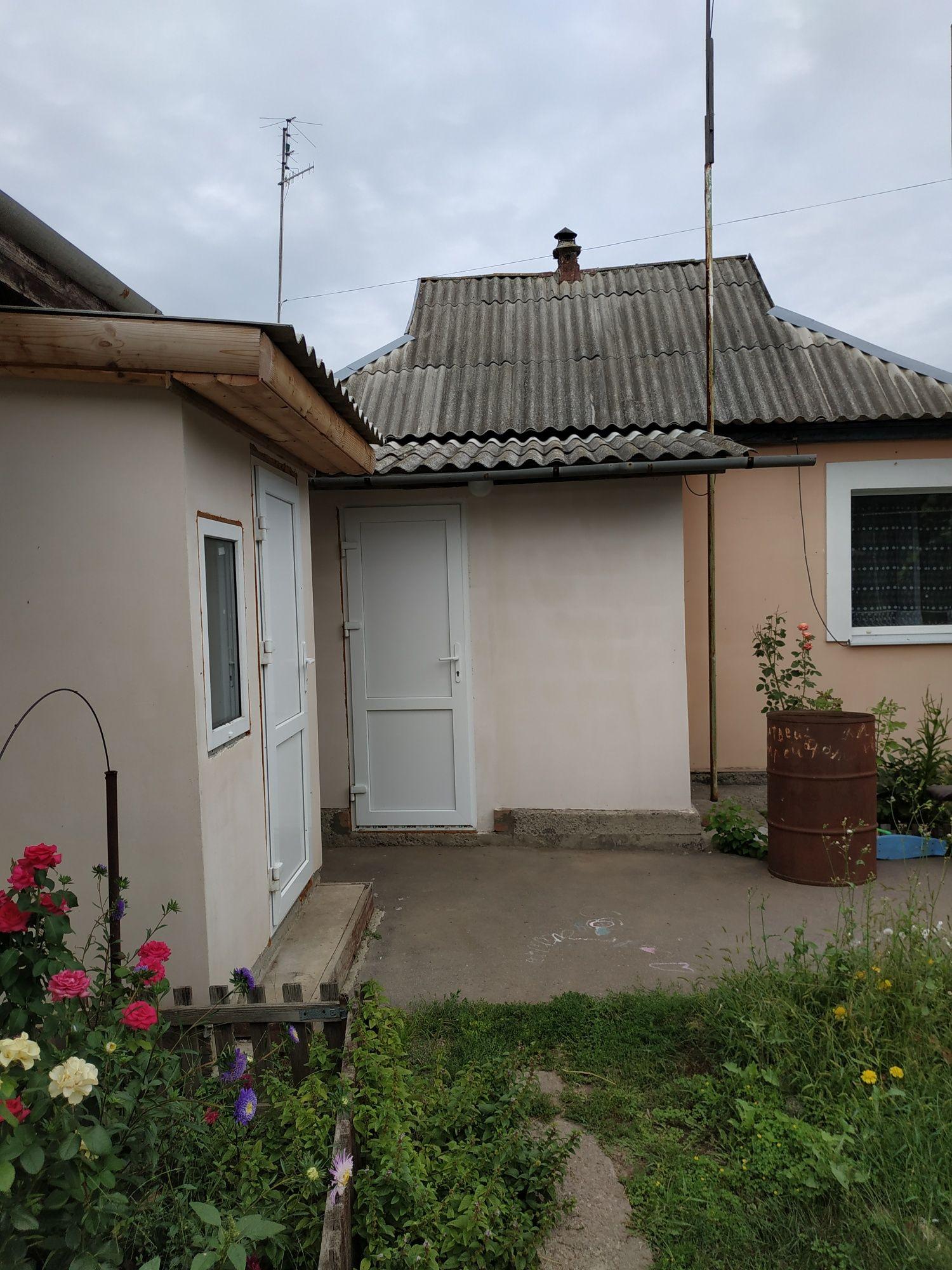 Два дома на большом участке с удобствами и ремонтом р-н Гожулы