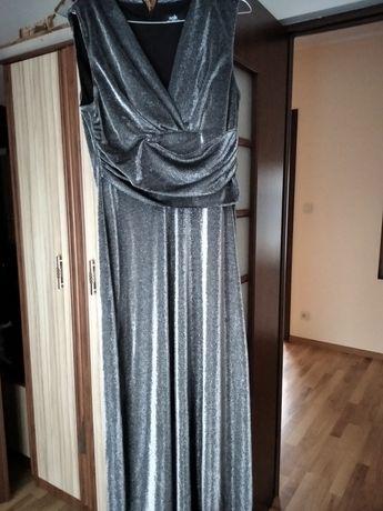 Długa mieniąca się sukienka na imprezę