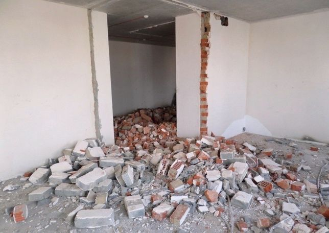 Демонтаж стен , плитки , дверей Недорого