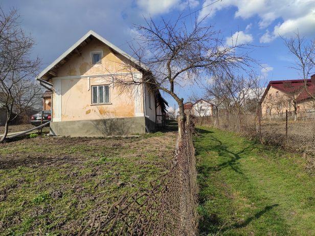 Продається будинок з ділянкою ( м. Рогатині)