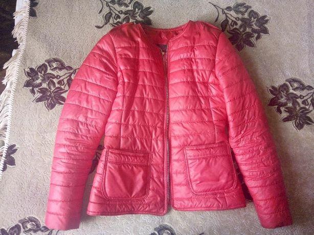 Куртка жіноча міжсезонна