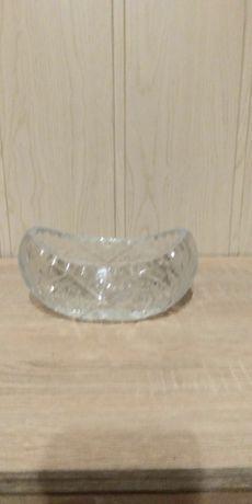 Kryształ w kształcie łódki