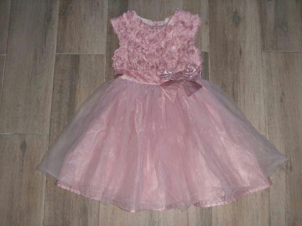 Красивое платье р.122