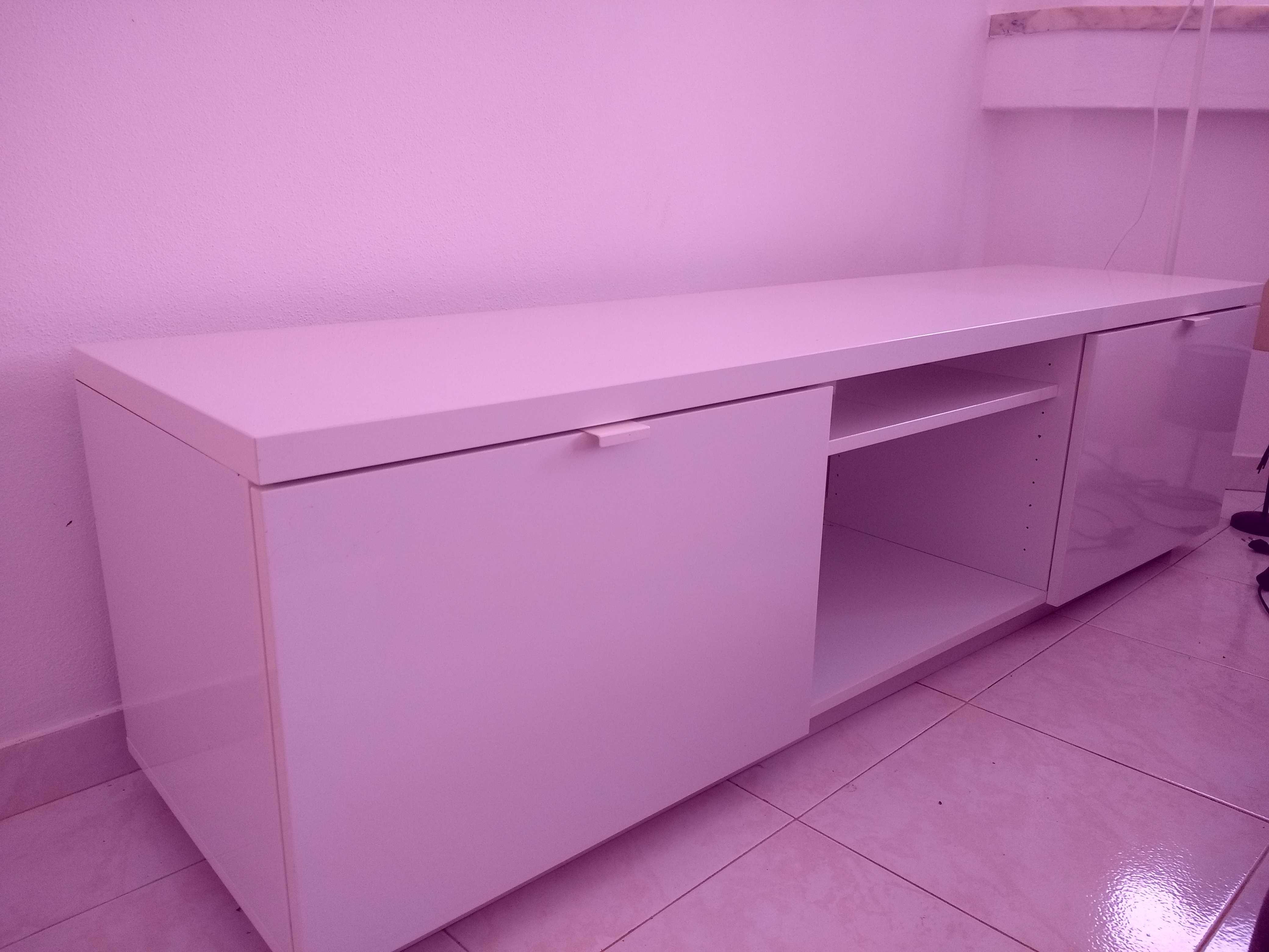 Móvel de TV / TV unit stand