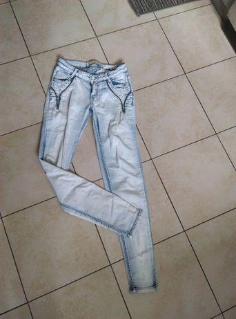 Jasne jeansy rurki zameczki r.  S