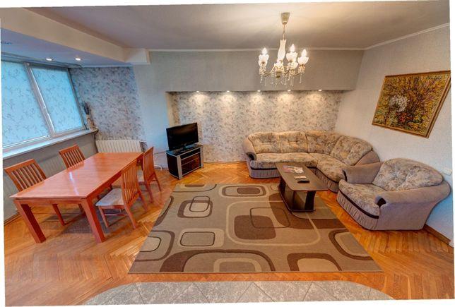 Посуточно 3к квартира на улице Богдана Хмельницкого 39