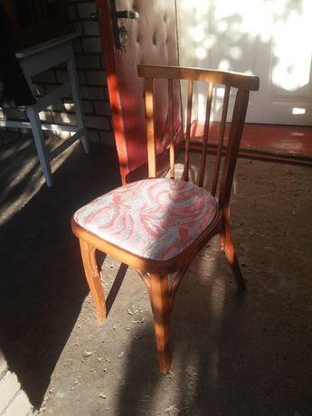 Мягкие стулья !