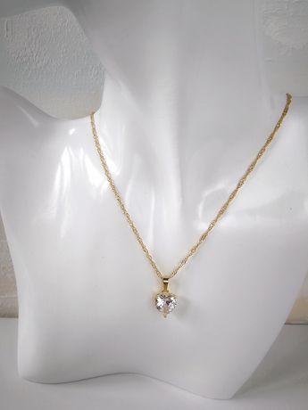 Nowy złoty łańcuszek z zawieszką chronią w kształcie serca