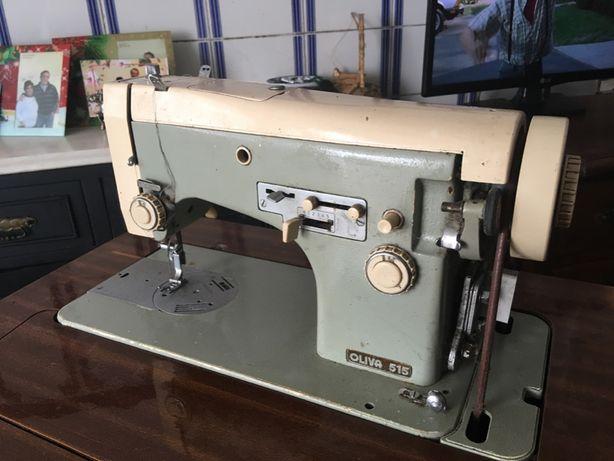 Máquina de costura Oliva 515