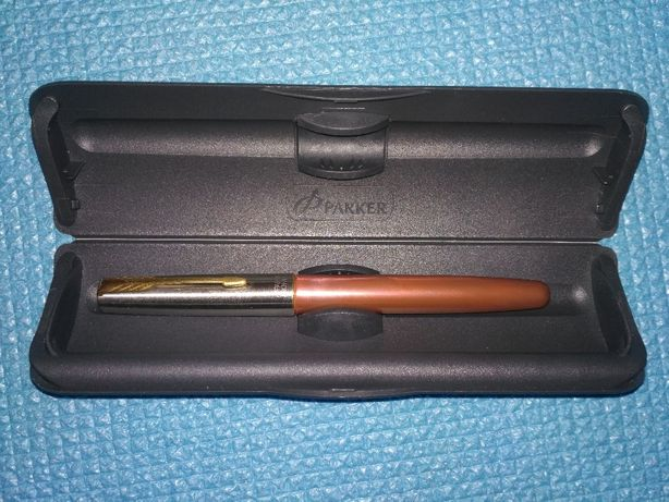 Parker ручка новая оригинал, в футляре