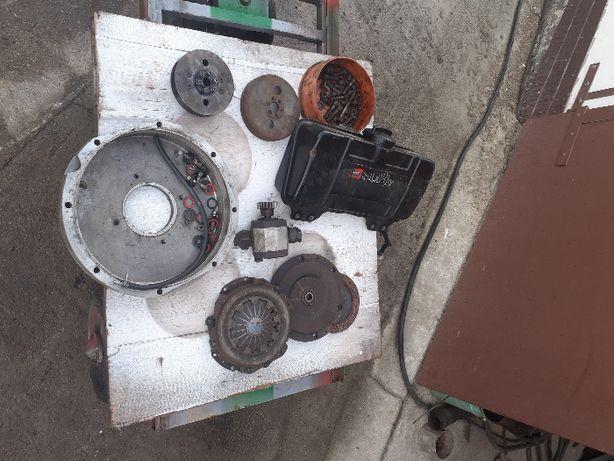 części hatz D 81 ;sprzęgło,pompa