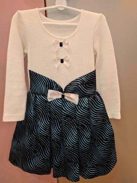 Нарядное белое платье на девочку 104-110