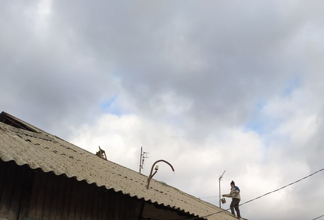 Мелкий срочный ремонт крыш,и заделка швов,сварочные работы.