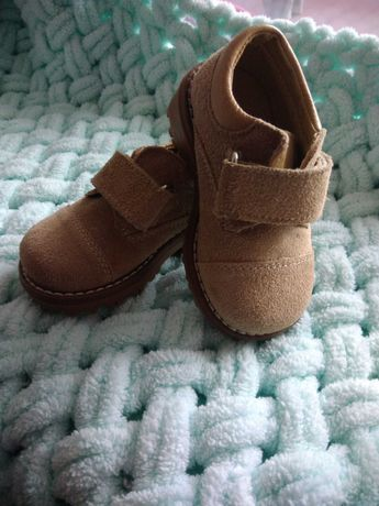 Новые  ботинки весна  осень,18 размер натуральная замша