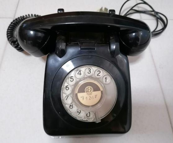 Telefone antigo (marcação por disco)
