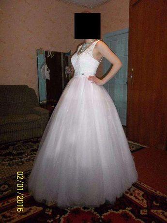 свадебное платье (шикарное)