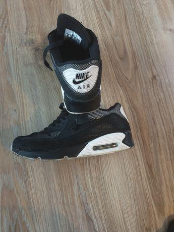 Nike Air Max Essential 38-39.