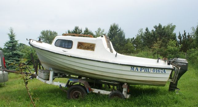 Lodz , Lodka motorowa z kabina
