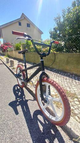 Vendo BMX  toda restaurada