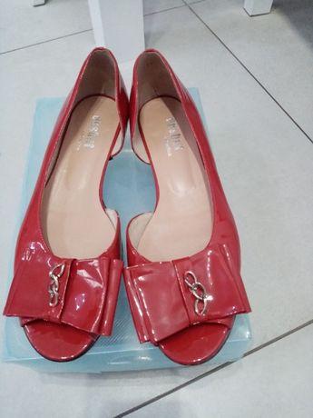 Baleriny sandały skóra lakierowana czerwone Eksbut rozm.39