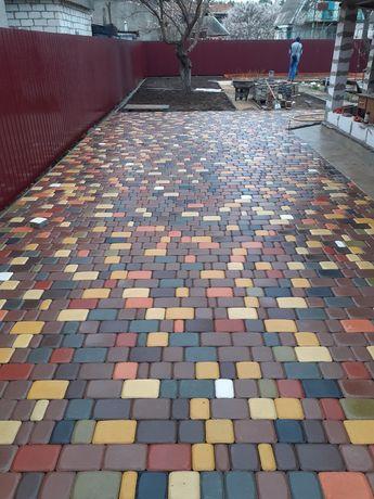 Укладка тротуарной плитки любой сложности!